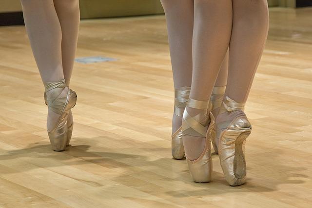 Wynajem studia tanecznego jest najprostszą odpowiedzią na pytanie, jak założyć szkołę tańca